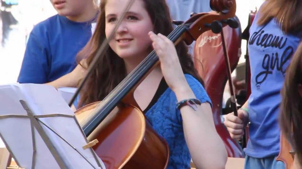 Orquesta de Cuerda en la Calle Herrerías de Tudela